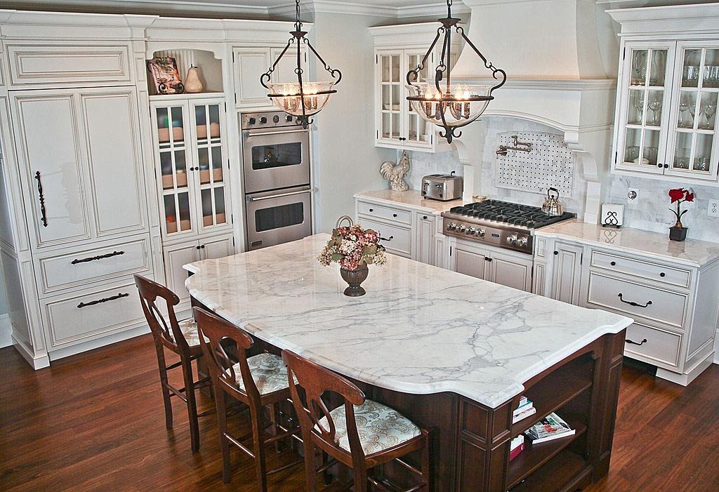 Белая кухня в интерьере 41 фото идея интерьера кухни в