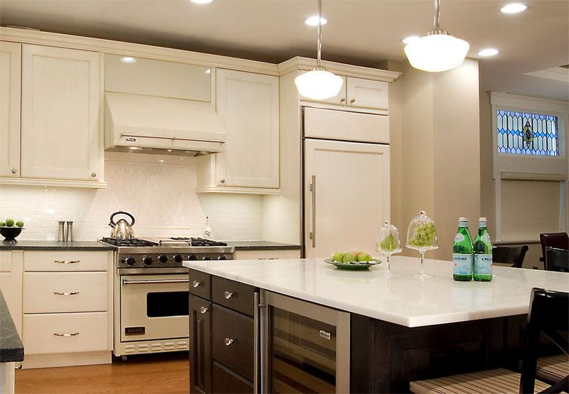 Бежевый и зеленый на кухни