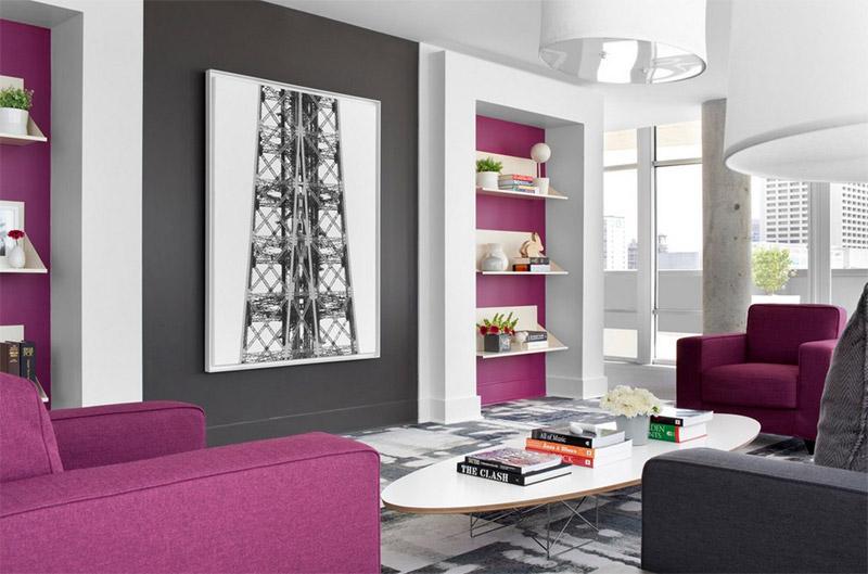 Пурпурный и серый в гостинной