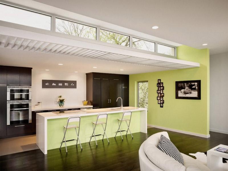 Кухня с светло-зелеными цветами