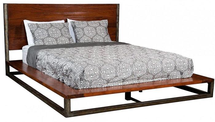 Комбинированный каркас кровати из дерева и металла