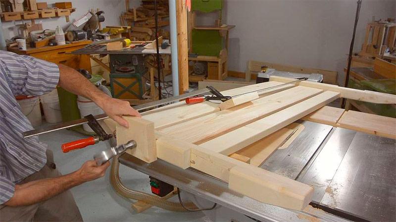 Как сделать двуспальную кровать своими руками - проект, чертежи, фото и видео изготовления