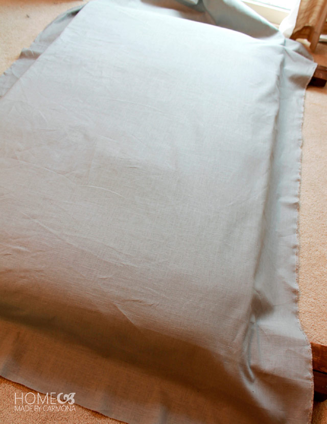 Отмеряем и отрезаем необходимое количество ткани