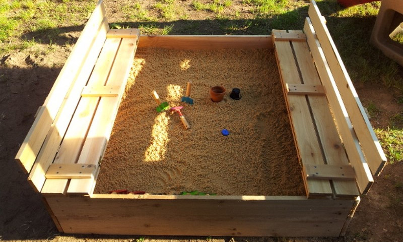 Песочница с крышкой и скамейкой своими руками - пошаговая инструкция