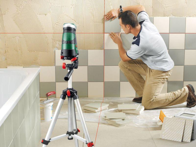 Использование нивелира при укладке керамической плитки