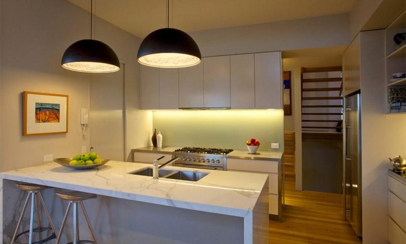 Люстры для кухни фото светильников в интерьере различных