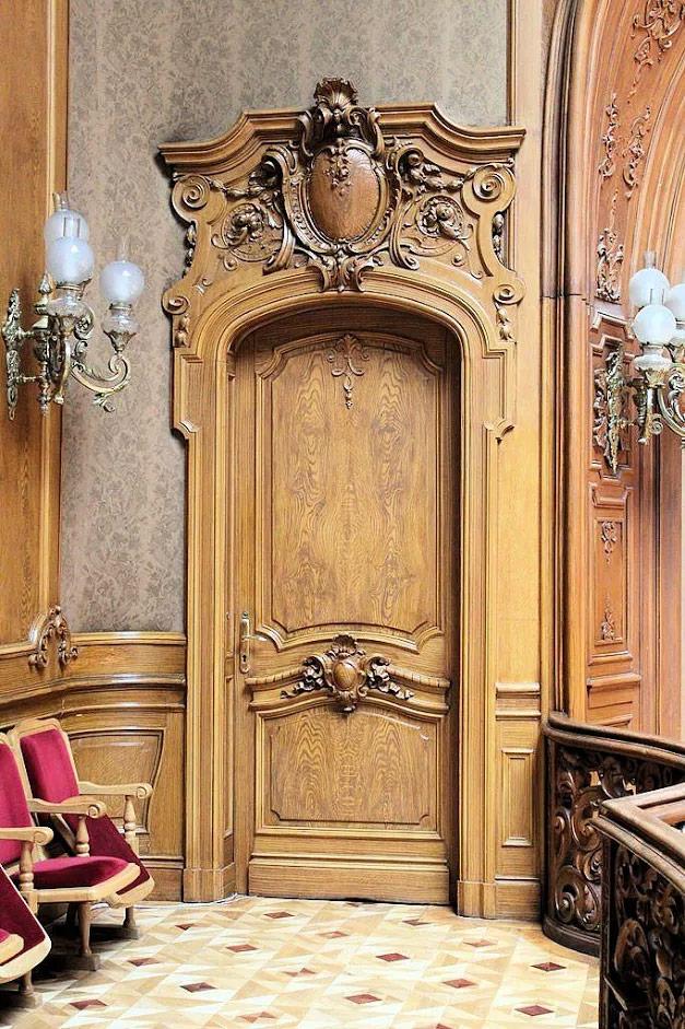 Дизайн межкомнатных дверей в стиле модерн