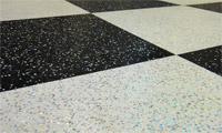 Заливной пол шахматная доска с блестками