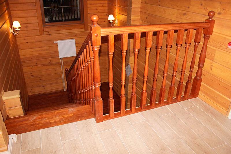 Деревянный дом без дополнительной внутренней отделки