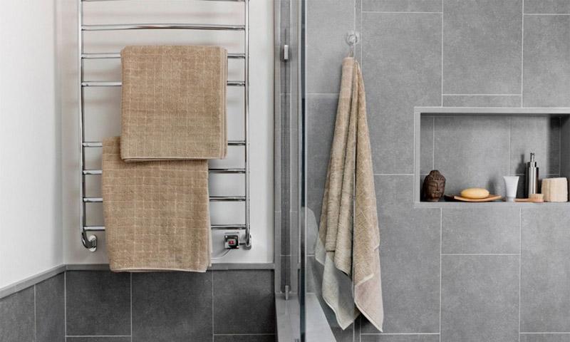 Как выбрать полотенцесушитель для ванной, электрической или водяной модели