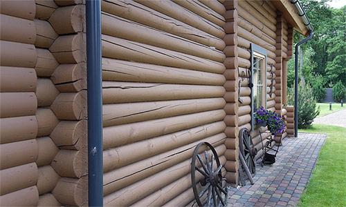 Как и чем лучше покрасить дачный домик?