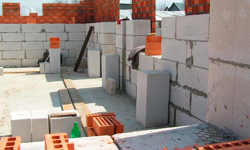 Какой блок лучше для строительства дома газобетон или керамзитобетон резка бетона казань