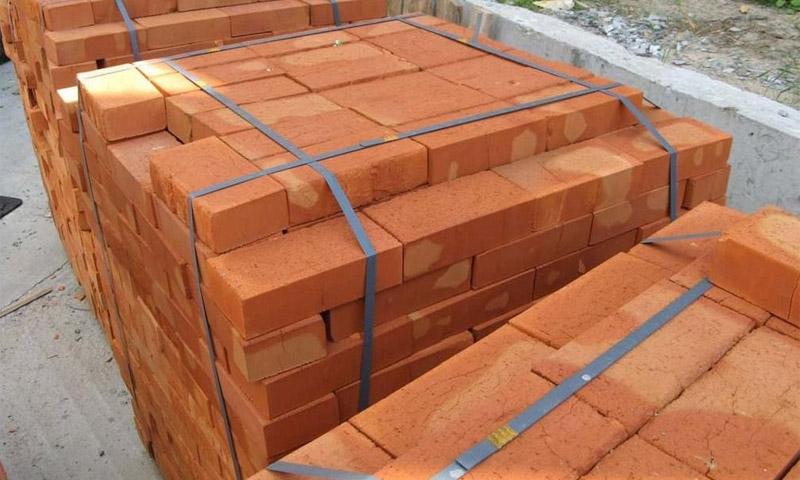 Достоинства и недостатки керамического кирпича при его использовании в строительстве