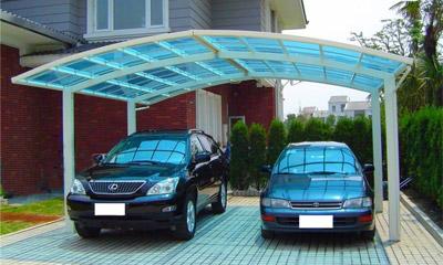 Навесы для машин из сотового поликарбоната