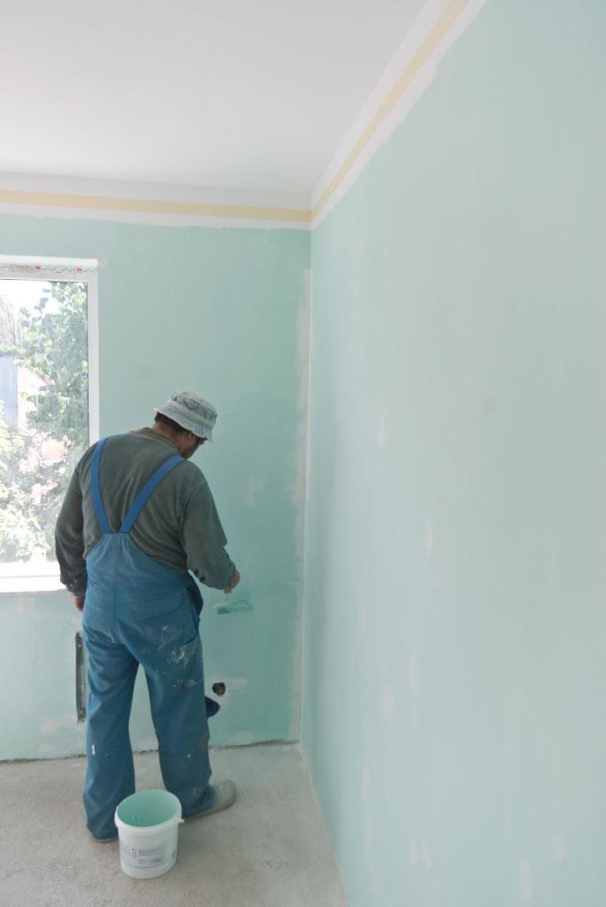покраска стен водоэмульсионкой