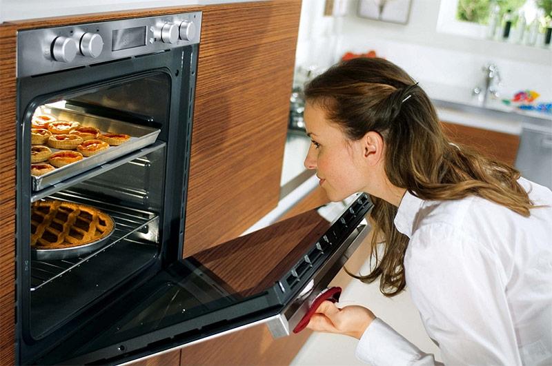 Откидная дверца духовки