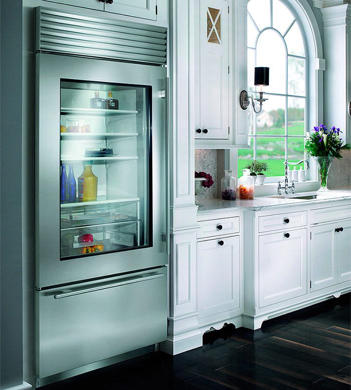 Холодильник с прозрачными дверями