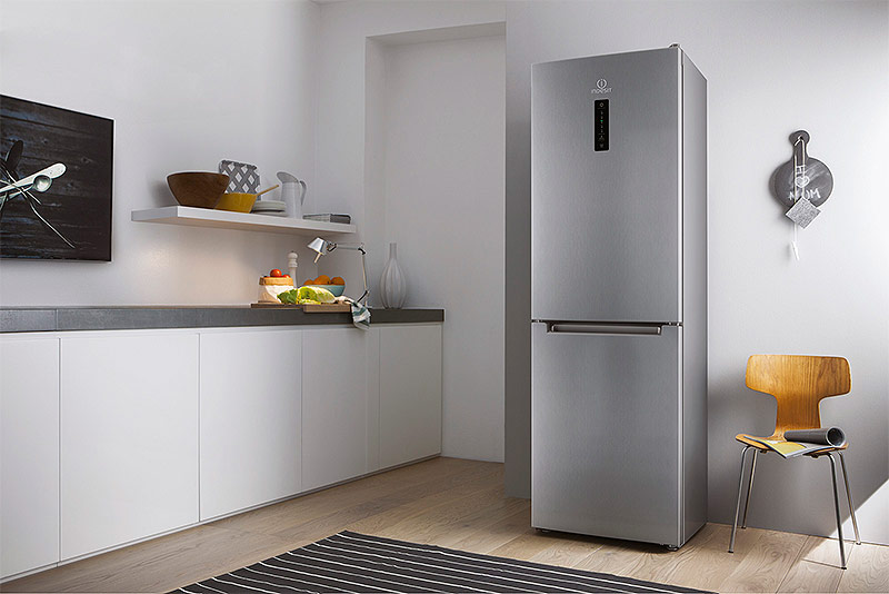 Отдельно стоящий холодильник